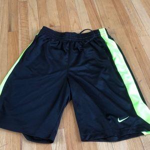 Nike Men's Short Size Medium